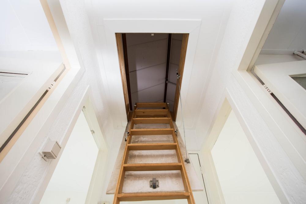 Dobre schody strychowe. Jakie powinny być?